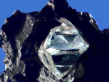 природный алмаз