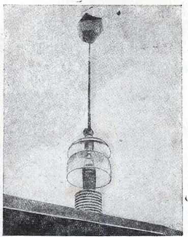 Двенадцатигранный электрод на крыше станции, излучающий кистевые разряды в пространство
